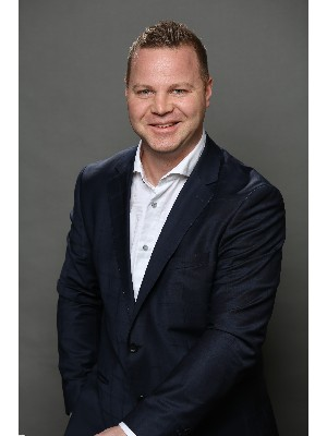 Jacob VanderBreggen, Oakville, Real Estate Agent